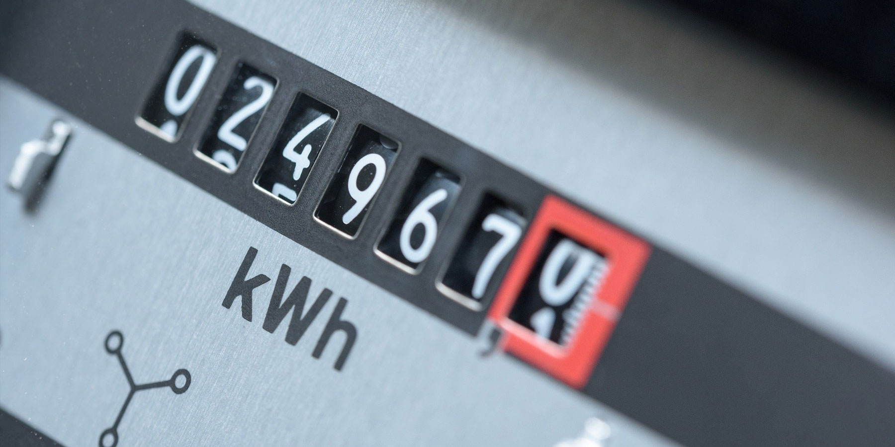 6 TIPS FOR SAVING MONEY ON ELECTRICITY THIS WINTER